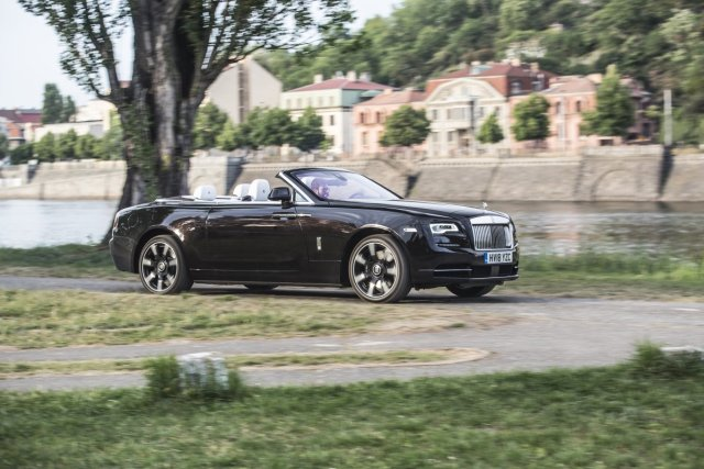test-2018-rolls-royce-dawn- (8)