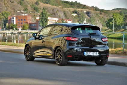 test-2018-renault-clio-rs-18- (9)