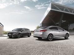 2019-Hyundai-i40- (1)