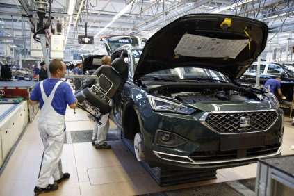 SEAT-Tarraco-production-starts-in-Wolfsburg_002_small