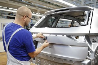 SEAT-Tarraco-production-starts-in-Wolfsburg_005_small