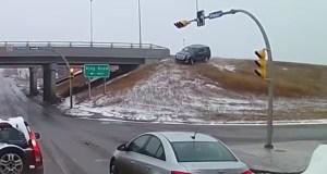 cadillac-escalade-nehoda-dalnice-video