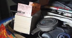 dokaze-nastartovat-auto-1000-aa-baterii-video