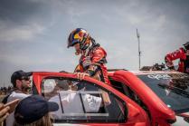 rallye-dakar-2019-po-10-etape-na-konci-dakaru-toyota-gazzoo-racing-Nasser-Al-Attiyah- (3)