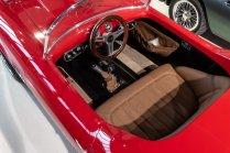 slapaci-auticko-Aston-Martin-Drophead-Coupe-a-Ferrari-250-GT-California-Spyder-na-prodej- (8)