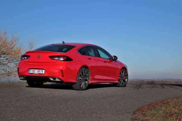 test-2018-Opel-Insignia-GSi-Grand-Sport-20-CDTI-8A-4x4- (2)