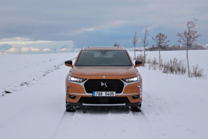 test-2018-ds7-crossback-bluehdi-180-8at- (1)