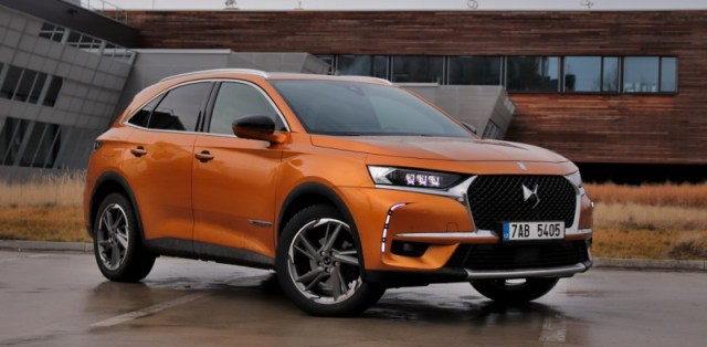 test-2018-ds7-crossback-bluehdi-180-8at