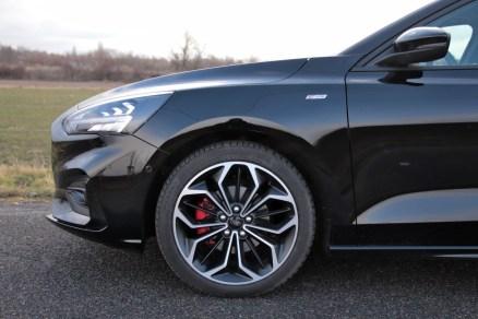 test-2019-ford-focus-15-ecoboost-st-line- (10)