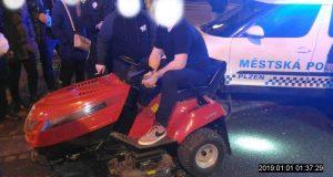 zahradni-traktor-mestska-policie-plzen-1