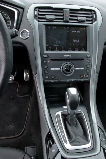 test-2018-ford-mondeo-20-tdci-180k-awd-6powershift- (38)