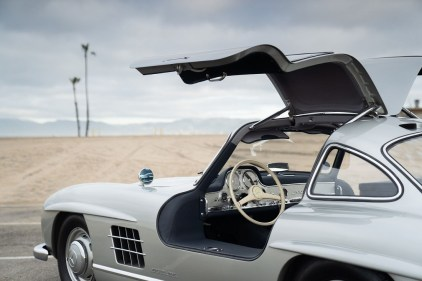 Mercedes 300SL Gullwing (9)