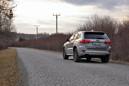 test-2019-jeep-grand-cherokee-30-crd-8at-4x4- (9)