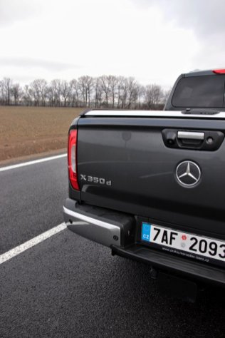 test-2019-mercedes-benz-x-350-d-4matic-pick-up- (13)