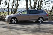 test-ojetiny-2014-skoda-superb-combi-20-tdi-103-kw-4x4-6MT- (16)