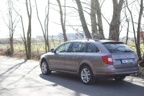 test-ojetiny-2014-skoda-superb-combi-20-tdi-103-kw-4x4-6MT- (17)