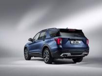 2019-Ford-Explorer-03