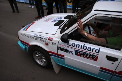 2019-duben-rallye-prague-revival-start-vaclavske-namesti- (98)