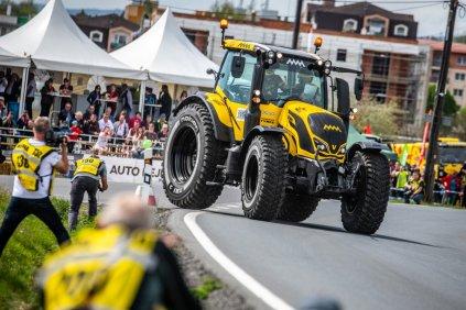 martin-macik-traktor-valtra-rallye- (9)