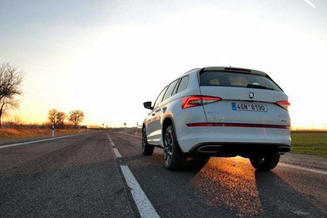 test-2019-skoda-kodiaq-rs-podhled