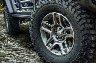 2019-Jeep_Gladiator- (12)