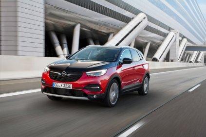 2020-Opel-Grandland-X-Hybrid4- (3)