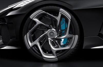 bugatti-la-voiture-noire_100694254_h