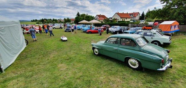 2019-8_cerven-jawa-sraz-ledce-auta- (35)
