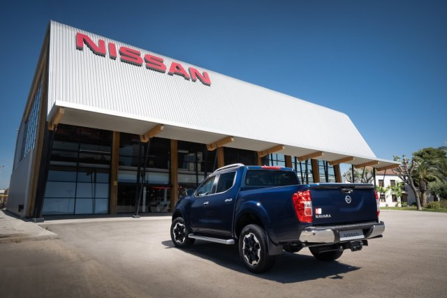 2019-Nissan-Navara-FL- (13)
