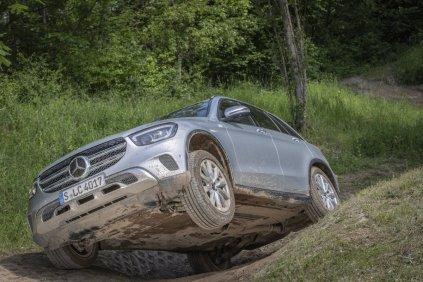 2019-facelift-mercedes-benz-glc-300-d-4matic-off_road- (9)