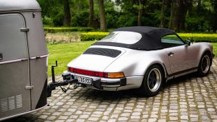 Porsche 911 Carrera 3.2 Speedster obytnak (10)