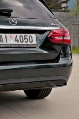test-2019-mercedes-benz-c200-4matic-kombi- (24)