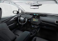 2019-Toyota-Prius-Plug-in- (7)