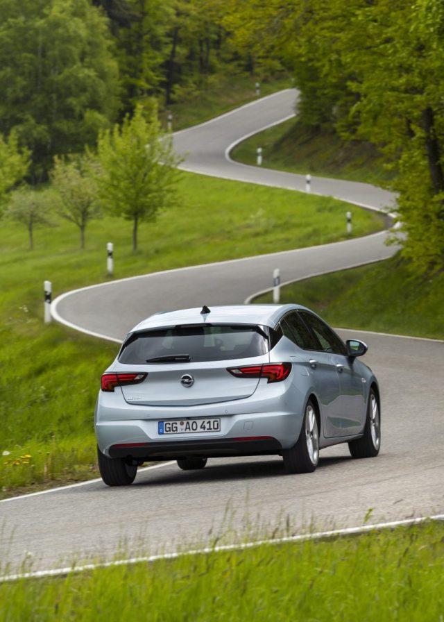 2020-Opel-Astra-facelift- (3)