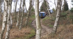 mercedes-benz-g-63-amg-suzuki-jimny-off-road-video