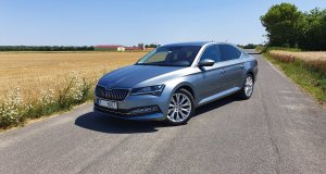 prvni-jizda-skoda-superb-facelift-2019- (16)