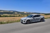 test-2019-kia-stinger-gt-v6-33-t-gdi-8at-4x4- (2)
