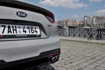 test-2019-kia-stinger-gt-v6-33-t-gdi-8at-4x4- (25)