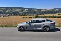 test-2019-kia-stinger-gt-v6-33-t-gdi-8at-4x4- (3)