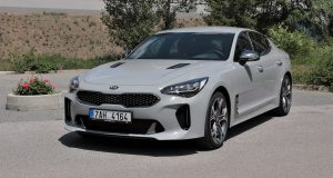 test-2019-kia-stinger-gt-v6-33-t-gdi-8at-4x4- (8)