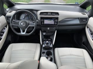 test-eletromobilu-2019-nissan-leaf- (32)