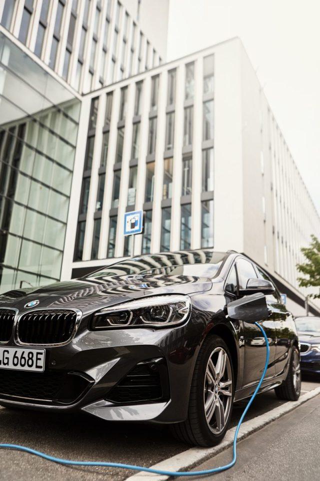 2019- BMW-225xe-Active-Tourer- (3)