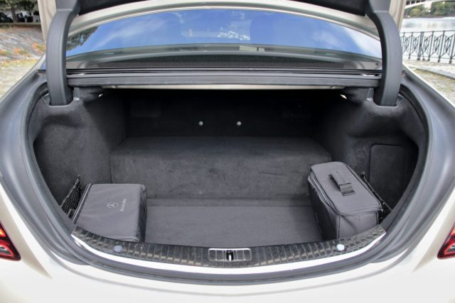 test-2019-mercedes-benz-s560e-plug-in-hybrid- (28)