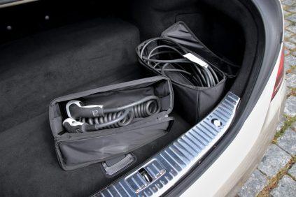 test-2019-mercedes-benz-s560e-plug-in-hybrid- (29)