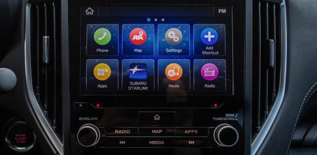 2019-Subaru-Forester-e-BOXER-prvni-jizda-palubni-deska-infotainment- (1)