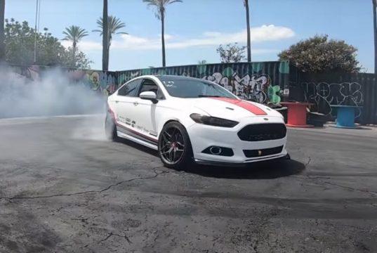 ford-fusion-mondeo-motor-mustang-50-v8-video