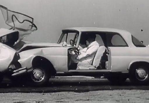 mercedes-benz testovani crash test 19'60