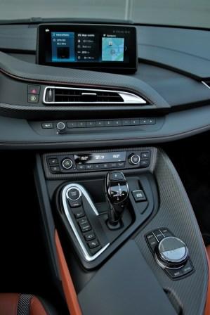 test-2019-plug-in-hybridu-bmw-i8-roadster- (33)