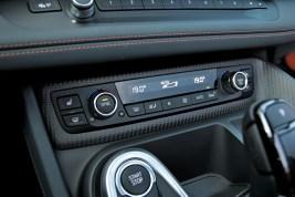 test-2019-plug-in-hybridu-bmw-i8-roadster- (35)
