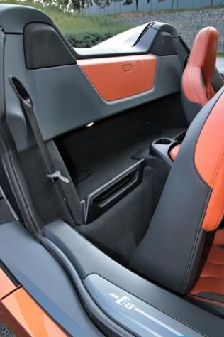 test-2019-plug-in-hybridu-bmw-i8-roadster- (41)